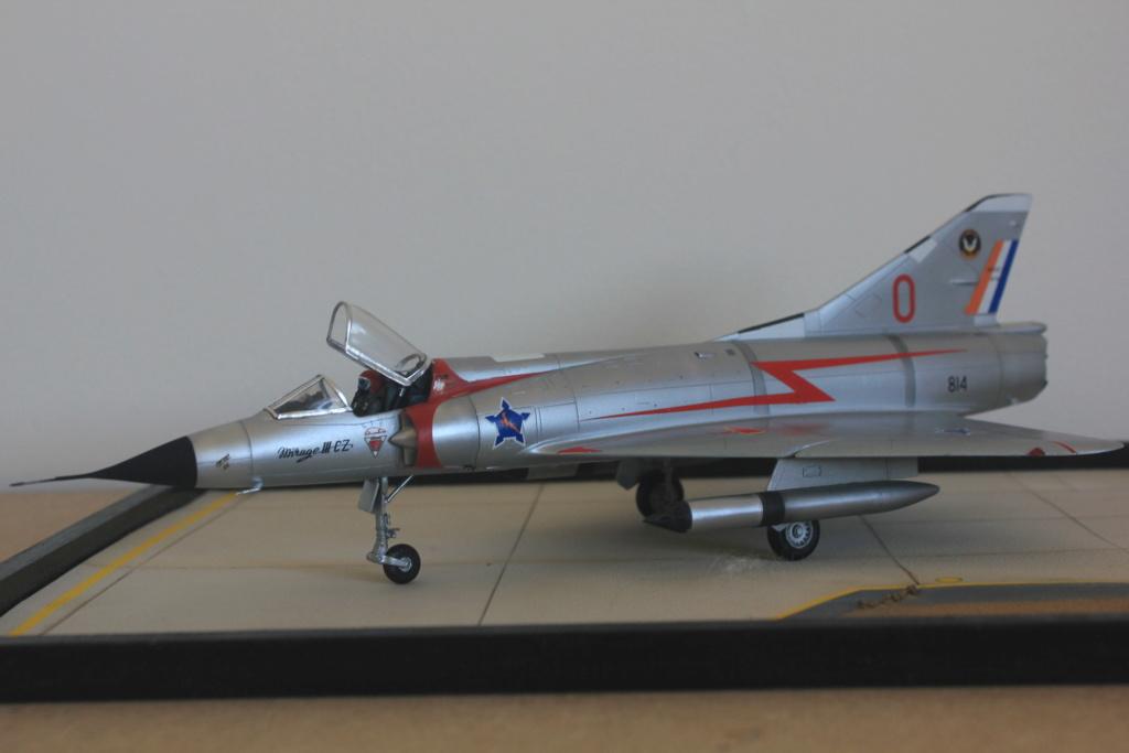 Mirage III CZ(s) ( Hobbyboss + Heller 1/48)  FINI - Page 2 Img_5427