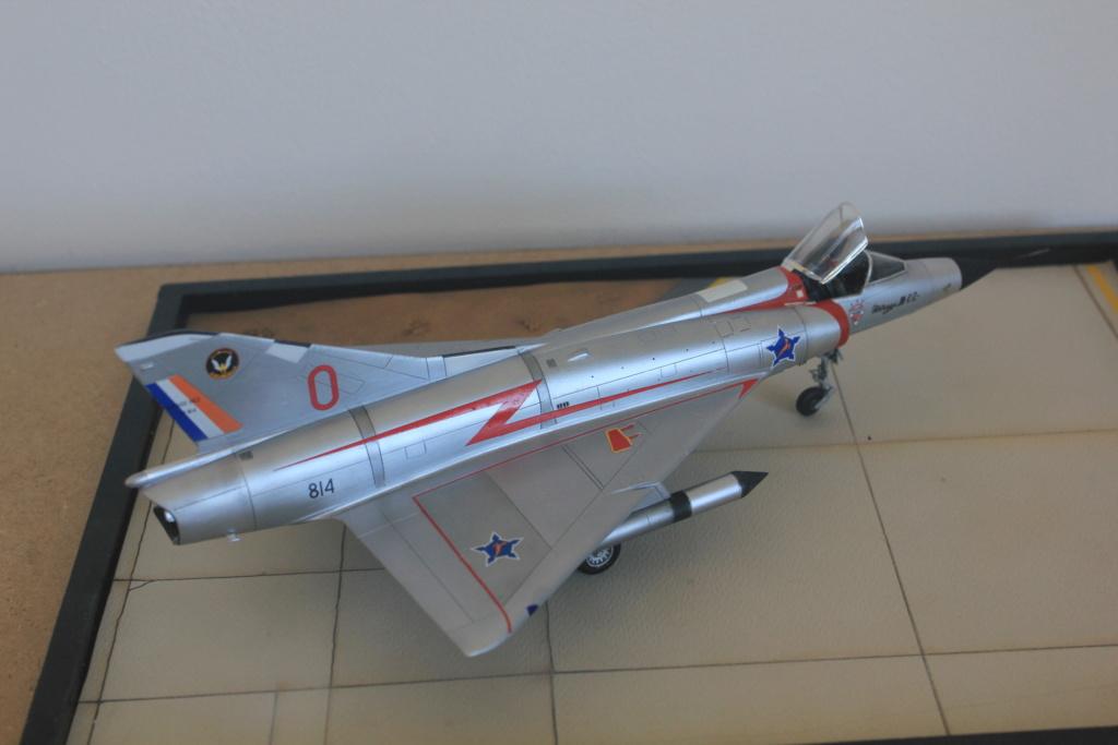 Mirage III CZ(s) ( Hobbyboss + Heller 1/48)  FINI - Page 2 Img_5428