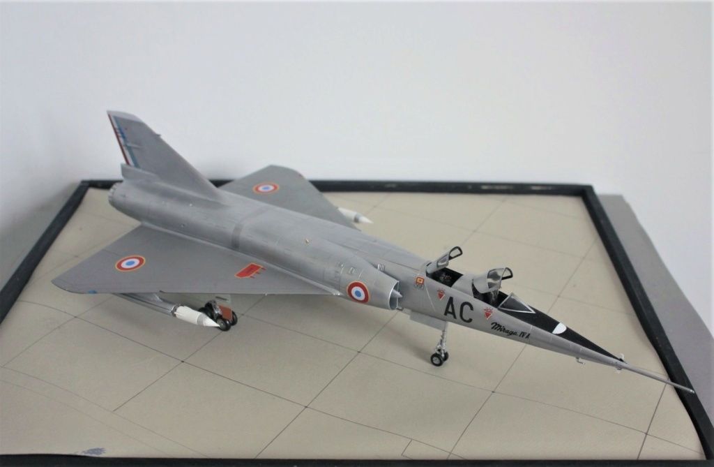 MIRAGE IV      (Heller    1/48)  FINI - Page 4 Img_5745