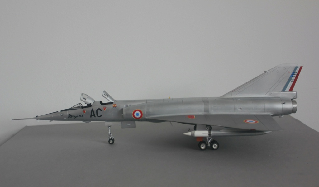 MIRAGE IV      (Heller    1/48)  FINI - Page 4 Img_5834