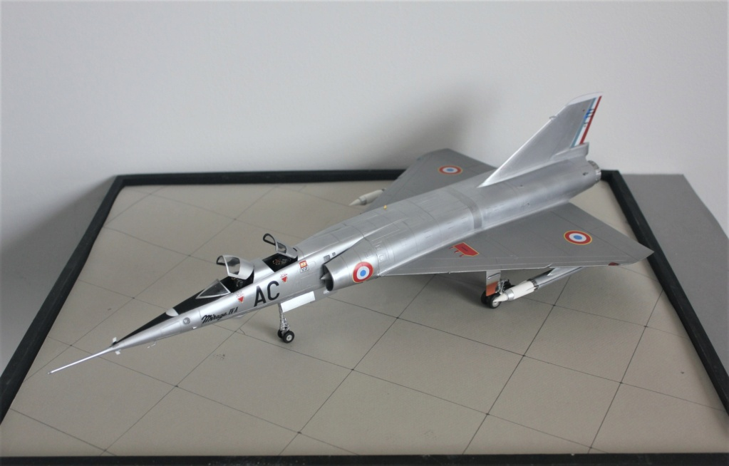 MIRAGE IV      (Heller    1/48)  FINI - Page 4 Img_5835