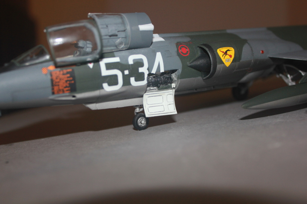 F 104 S (Monogram 1/48 + scratch)   FINI   - Page 3 Img_5962