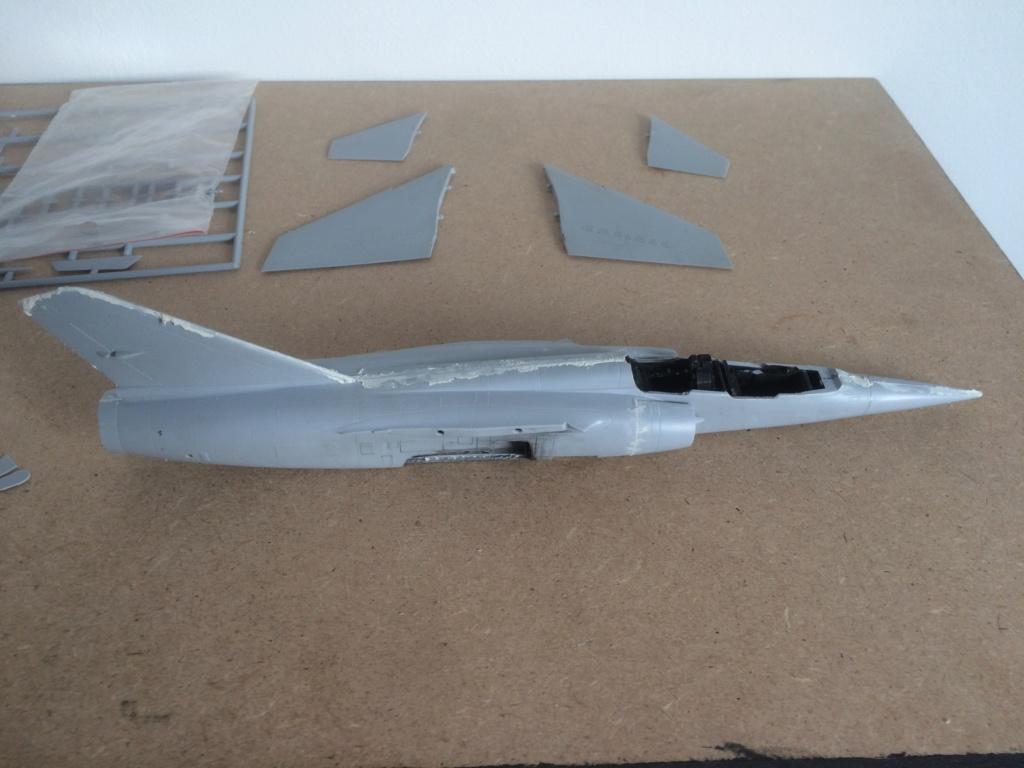 Mirage F1 B  ( F.M.  1/48)  FINI Img_7013