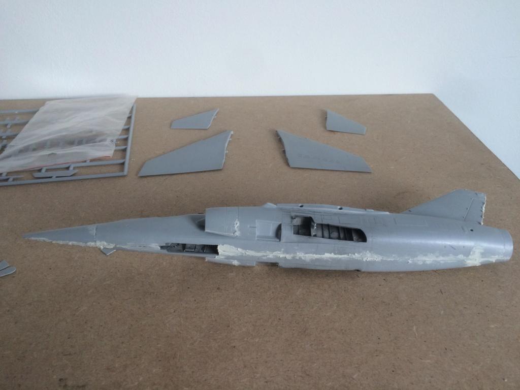 Mirage F1 B  ( F.M.  1/48)  FINI Img_7014