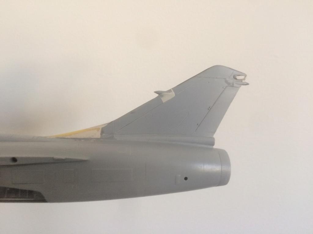 Mirage F1 B  ( F.M.  1/48)  FINI Img_7110