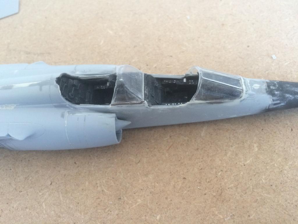 Mirage F1 B  ( F.M.  1/48)  FINI Img_7112