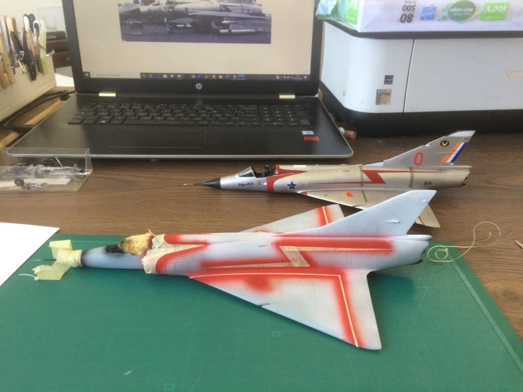 Mirage III CZ(s) ( Hobbyboss + Heller 1/48)  FINI Img_7130