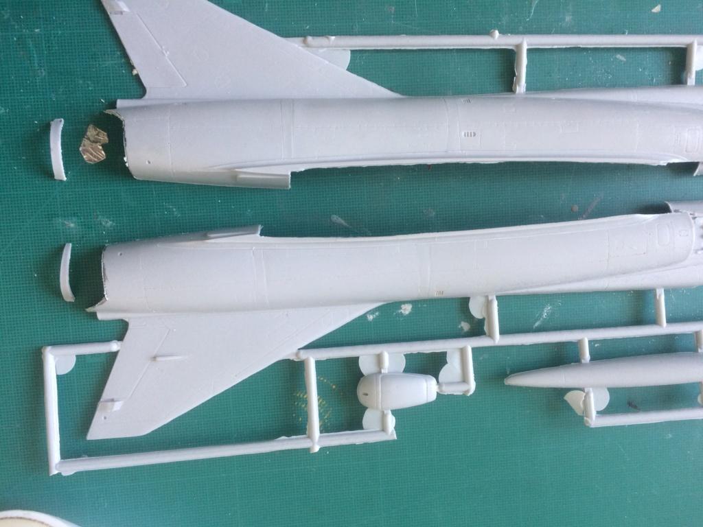 Mirage III EBR  ( Heller + FM 1/48) FINI Img_7315