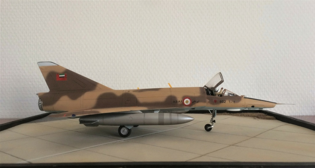 "MIRAGE 5 RAD  (1/48  HELLER + ""OURAGAN 25"") FINI - Page 2 Img_7911"