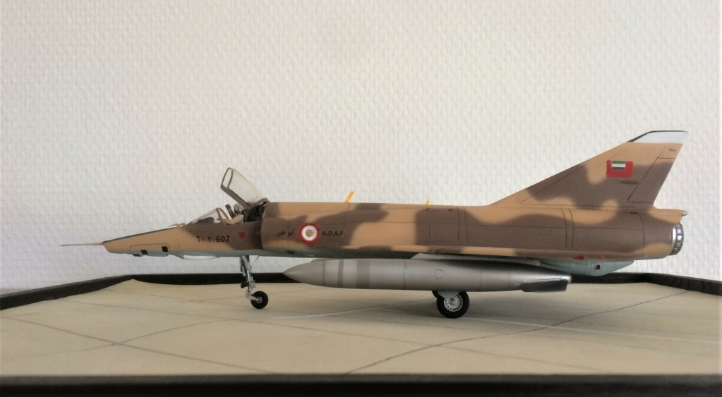 "MIRAGE 5 RAD  (1/48  HELLER + ""OURAGAN 25"") FINI - Page 2 Img_7912"