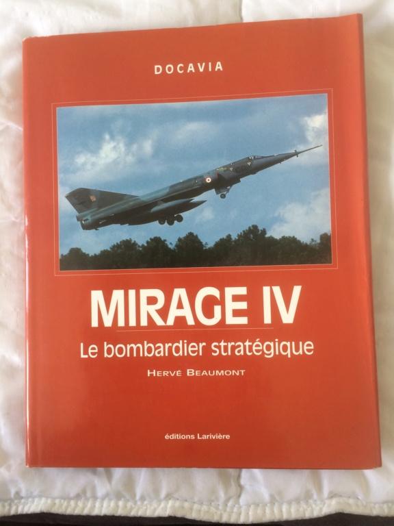 MIRAGE IV      (Heller    1/48)  FINI Img_8034