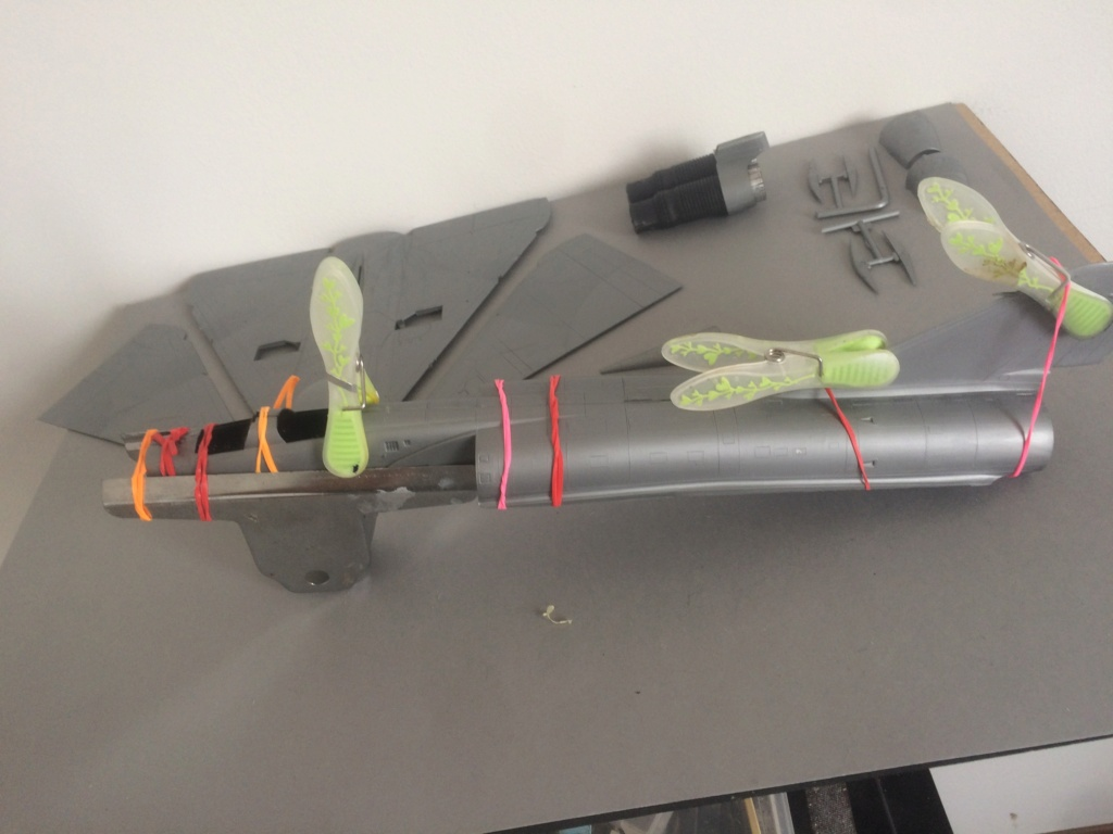 MIRAGE IV      (Heller    1/48)  - Page 2 Img_8119