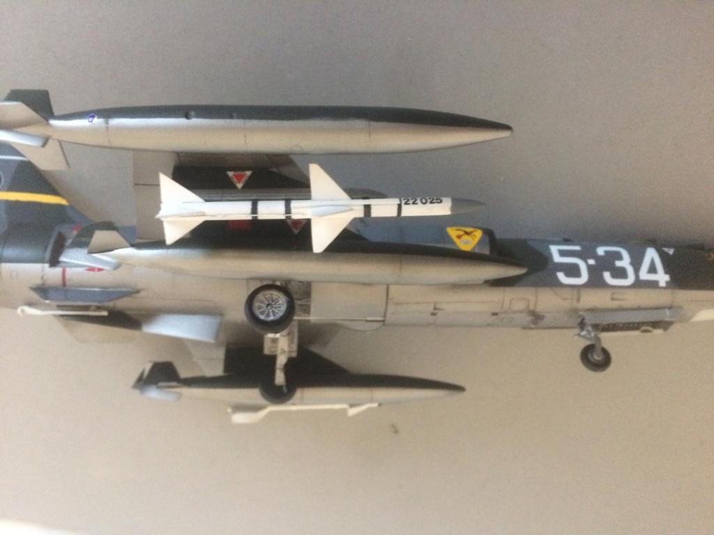 F 104 S (Monogram 1/48 + scratch)   FINI   - Page 3 Img_8925