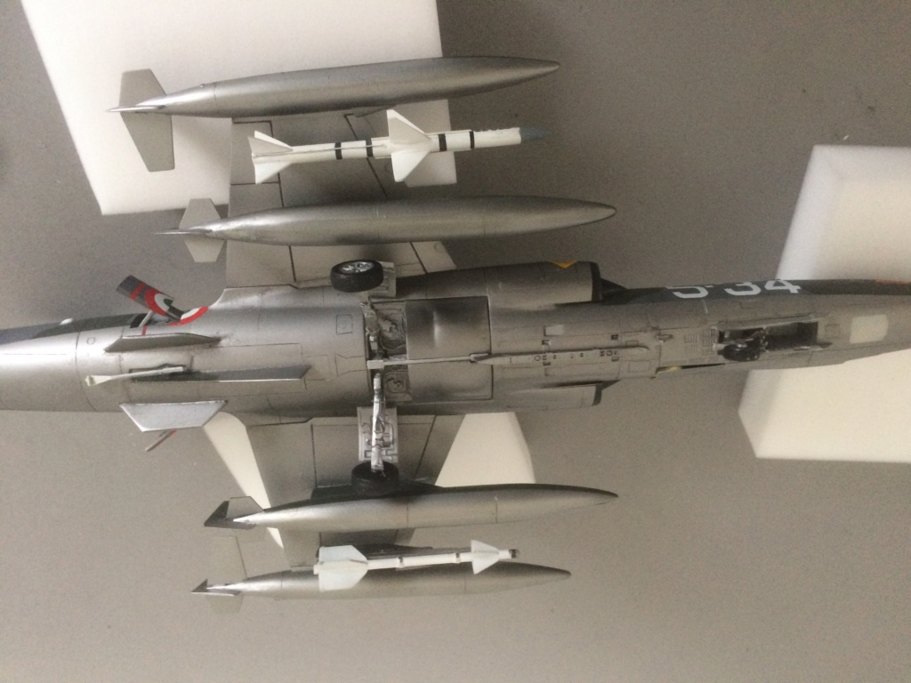 F 104 S (Monogram 1/48 + scratch)   FINI   - Page 3 Img_8926