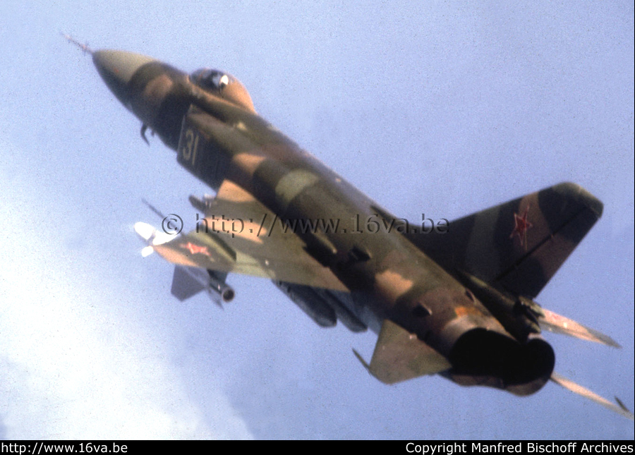 SUKHOI SU 15 TM flagon F ( Trumpeter 1/72)  Su-15_10