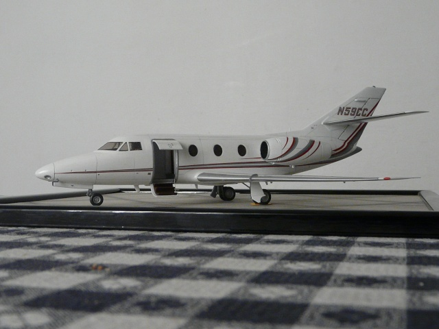 Dassault Falcon 10   1-48 (Revell) - Page 2 P1040528