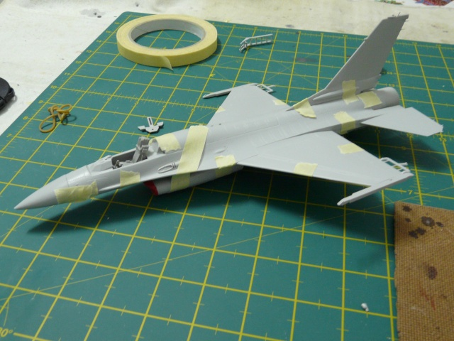 Green Lighting F-16 ADF Special colour  1-48 scale P1050610