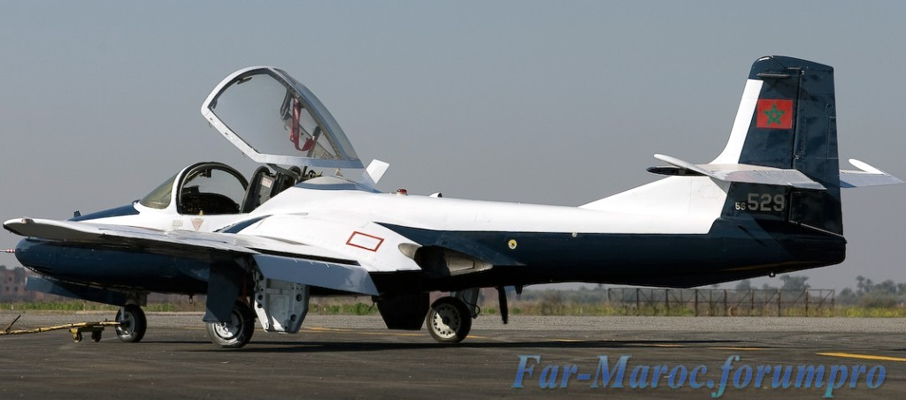 FRA: Photos avions d'entrainement et anti insurrection - Page 4 Clipbo16