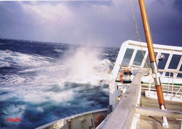 QE2 in rough seas 1_bmp10