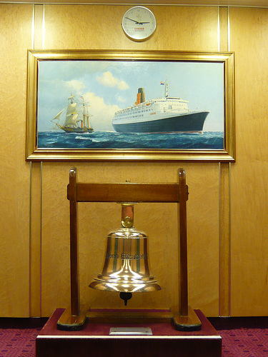 Memorabilia & Paintings Around the Ship 29310410