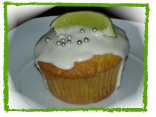 Cups Cake à la noix de coco, glaçage fromage à la lime Dsc06133