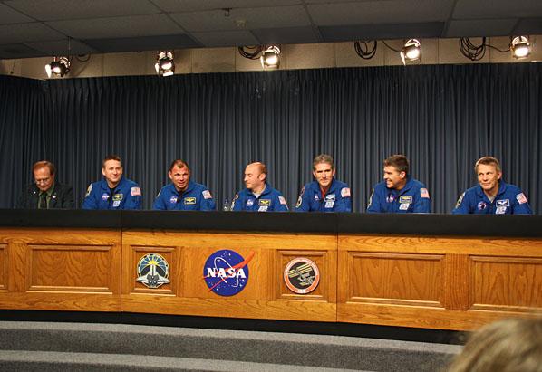 [STS-132] Atlantis: retour sur terre 14:48 heure de Paris le 26/05/10 - Page 8 1011