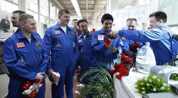 Nouvelle simulation Mars 500 (520 jours a/c de juin 2010) - Page 2 13302312