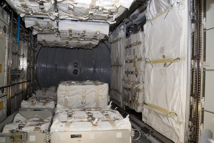 [STS-131] Discovery : préparatifs - Page 2 2010-112