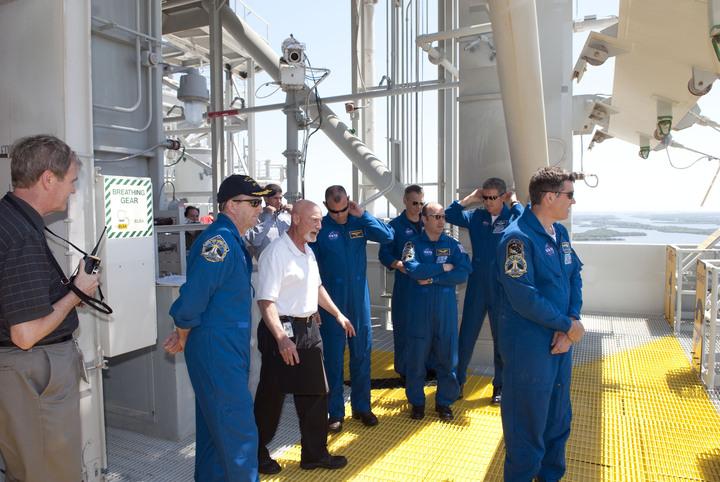 [STS-132] Atlantis : préparatifs (lancement prévu le 14/05/2010) - Page 6 2010-222