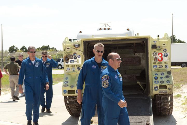 [STS-132] Atlantis : préparatifs (lancement prévu le 14/05/2010) - Page 6 2010-224
