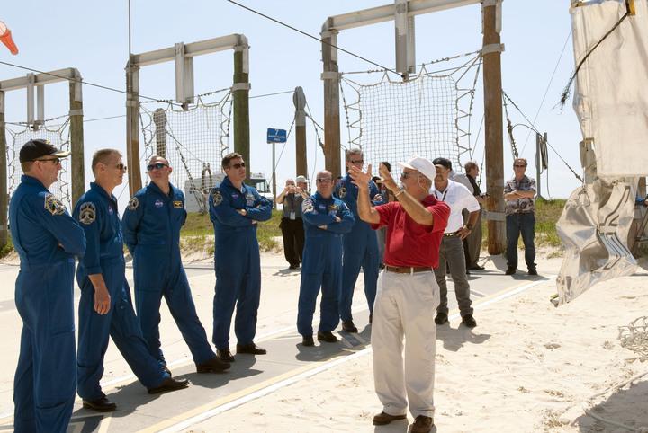 [STS-132] Atlantis : préparatifs (lancement prévu le 14/05/2010) - Page 6 2010-310