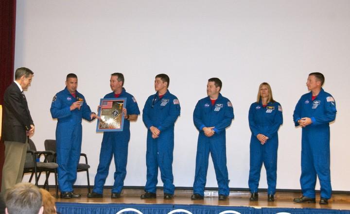 [STS-130] Endeavour : fil dédié au suivi de la mission. - Page 21 2010-320