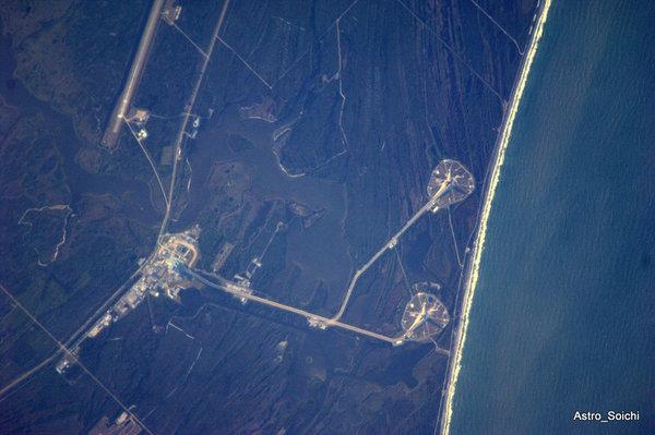 [STS-131] Discovery : préparatifs - Page 4 72591810