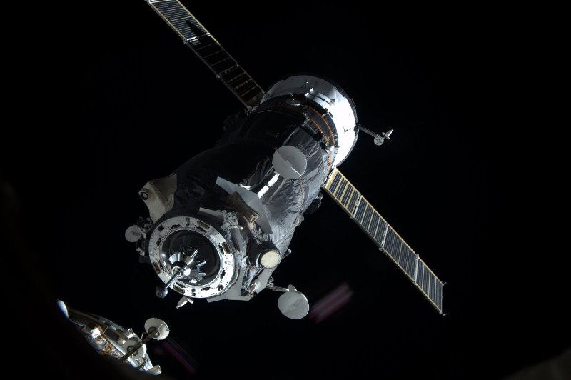 ISS : Amarrage de Progress M-05M le 1er mai 2010 - Page 3 94578210