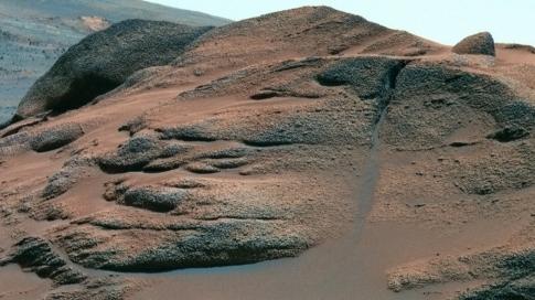 """Spirit découvre un """"nid"""" de carbonates sur Mars 95594210"""