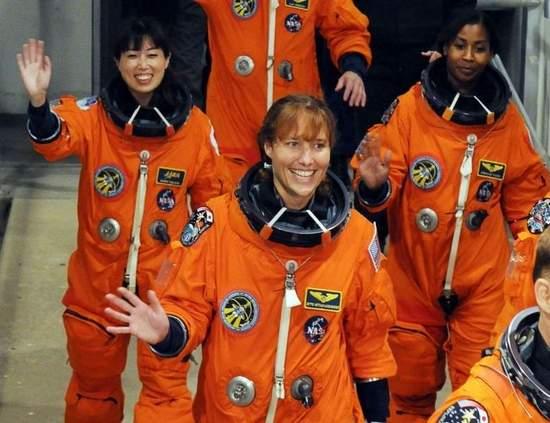 La place des femmes dans l'astronautique - Page 2 Bilde11