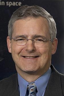 Marc Garneau dans la première mission spatial d'un Canadien. Garnea10