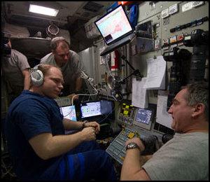 ISS : Amarrage de Progress M-05M le 1er mai 2010 - Page 5 Iss02321