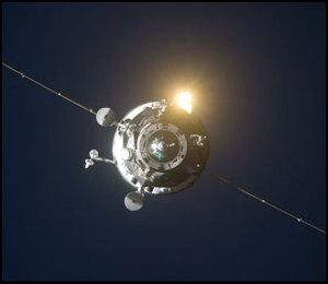 ISS : Amarrage de Progress M-05M le 1er mai 2010 - Page 4 Iss02322