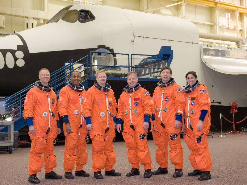 [STS-133] Discovery : Préparatifs (Lancement prévu le 24/02/2011) - Page 2 Jsc20125