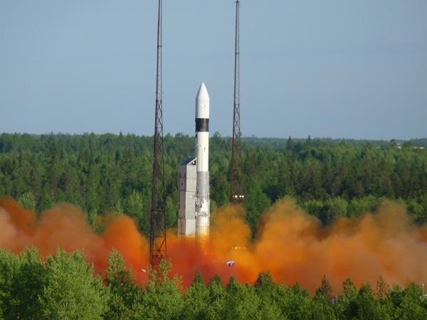 lancement SERVIS-2 en juin P1030310