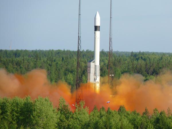 lancement SERVIS-2 en juin P1030311