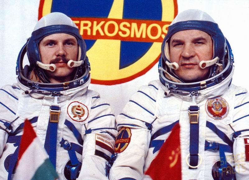 Bertalan Farkas - Premier astronaute hongrois Redim154