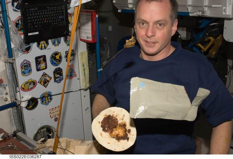 La cuisine à bord de la Station Spatiale Internationale Redime10