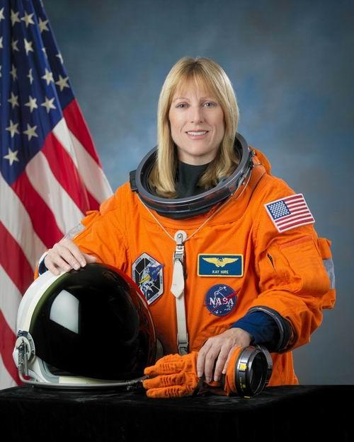 [STS-130] Endeavour : lancement (08/02/2010) - Page 4 Redime18