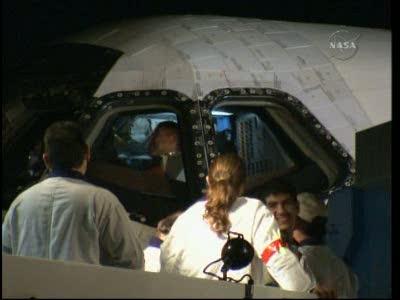 [STS-130] Endeavour : retour sur terre 3h20 GMT le 22/02/201 - Page 8 Vlcsn278