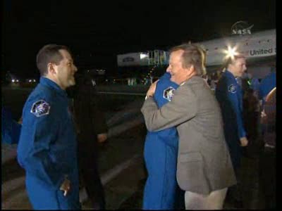 [STS-130] Endeavour : retour sur terre 3h20 GMT le 22/02/201 - Page 8 Vlcsn285