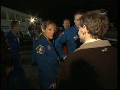 [STS-130] Endeavour : retour sur terre 3h20 GMT le 22/02/201 - Page 8 Vlcsn287
