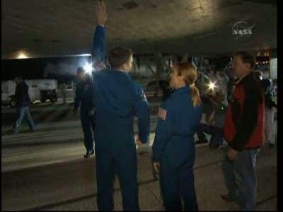 [STS-130] Endeavour : retour sur terre 3h20 GMT le 22/02/201 - Page 8 Vlcsn289