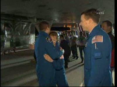 [STS-130] Endeavour : retour sur terre 3h20 GMT le 22/02/201 - Page 8 Vlcsn290